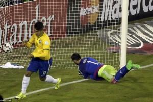 Firmino Percaya Sosok Neymar Bisa Digantikan Robinho