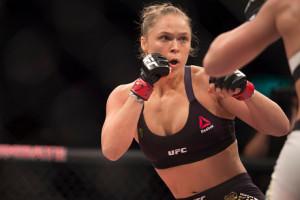 Juara dunia UFC wanita Ditantang