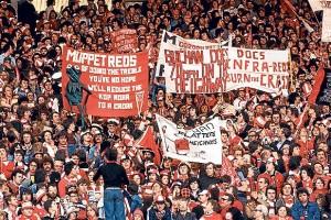 Dua Fans United-Liverpool Perang Komentar