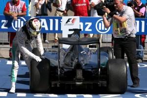 Mercedes Harus Waspada dengan Ferrari dan Red Bull