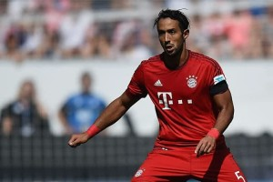 Bayern Munchen Akan Coba Jual Benatia ke Juve