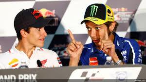 Hampir Saja, Rossi Labrak Marquez di Trek