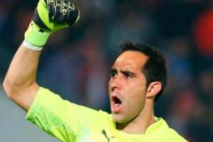 Claudio Bravo bantah rumor yang mengatakan dirinya tidak betah di Barcelona