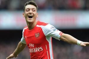 Ozil Optimis Arsenal Mampu Kalahkan Barcelona