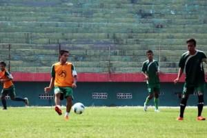 Hanya Ada 8 Pemain Surabaya United Yang Mengikuti Sesi Latihan Perdana