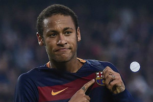 Douglas Costa Ungkapkan Ingin Bermain Bersama Neymar