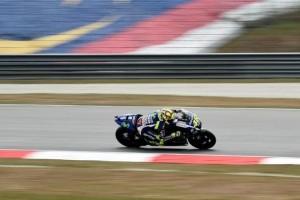Karena Lintasan Lembab, Uji Coba Sesi Ke Tiga MotoGP Sempat Ditunda
