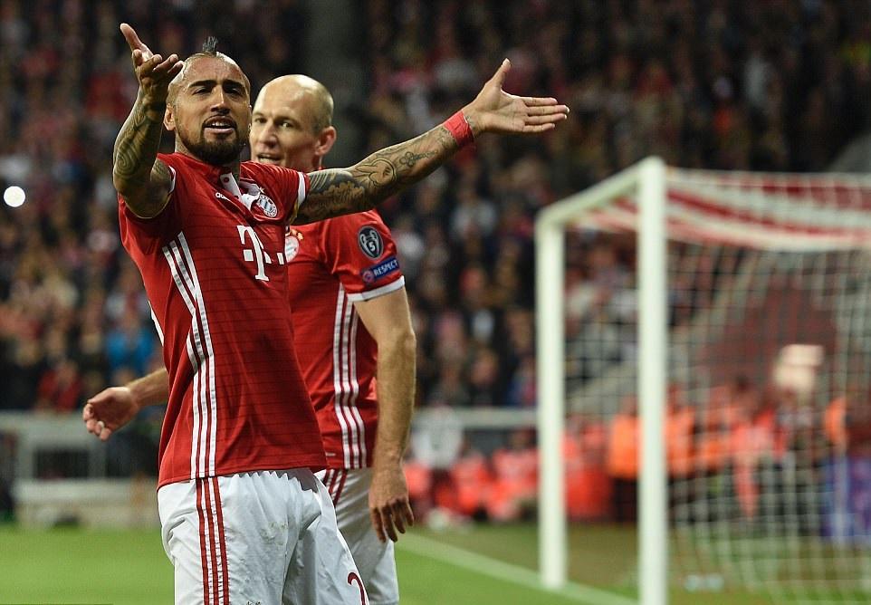 Selebrasi Gol Arturo Vidal - Bayern Munchen