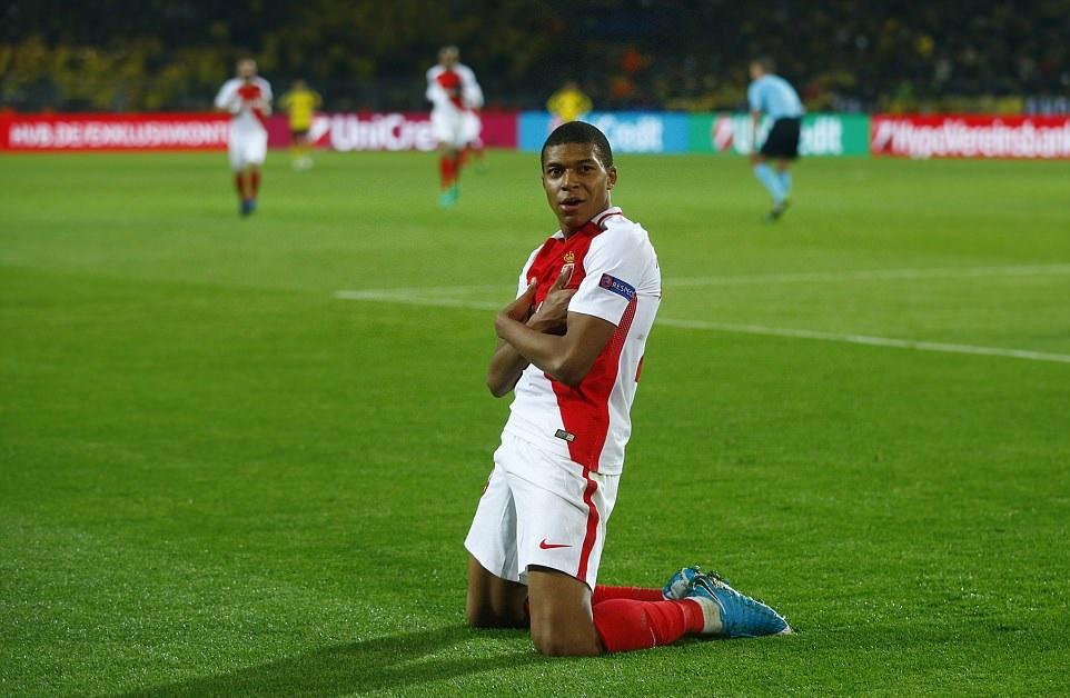 Selebrasi Gol Kylian Mbappe - AS Monaco