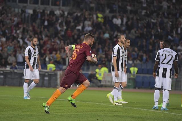 Selebrasi Gol Daniele De Rossi - AS Roma